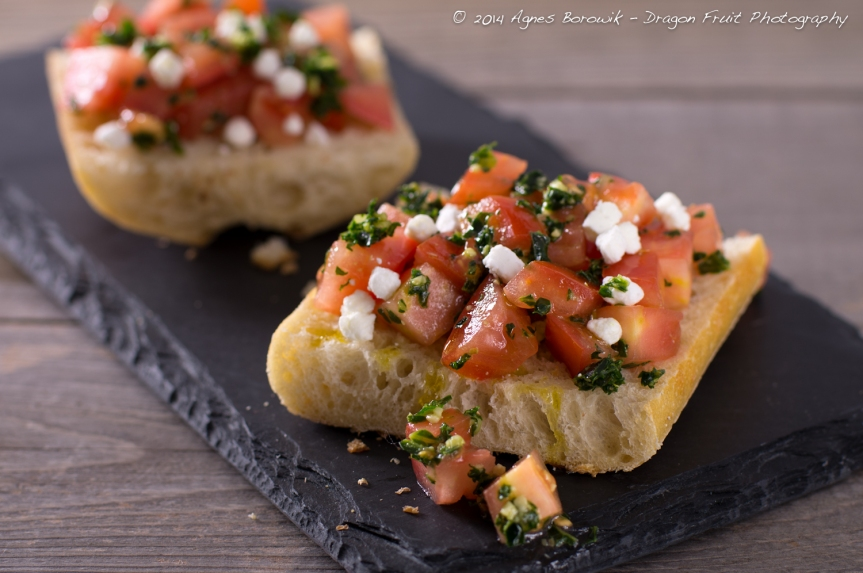 kale_walnut_pesto_bruschetta_agnes_borowik_dragonfruit_photography